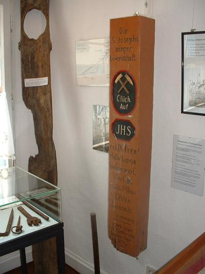 Originalbalken des alten Bergwerkskreuzes vom Virneberg
